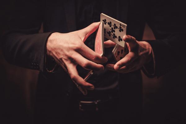 spectacle-magie-magicien-mentaliste-professionnel-Yvelines-78